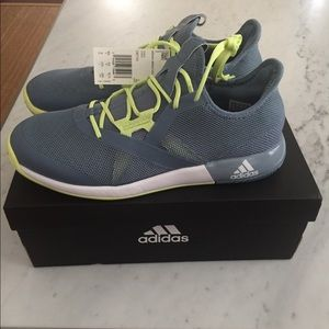 Adidas Defiant Bounce Tennis Shoe - NEW